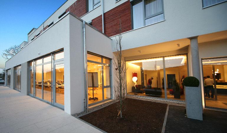 hotel kapellenberg stahl lehrmann architekten w rzburg. Black Bedroom Furniture Sets. Home Design Ideas